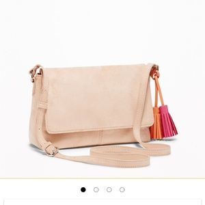 Mauve suede crossbody with tale
